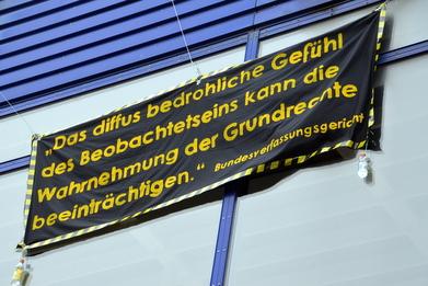 Banner Drop an der Mensa Rempartstraße