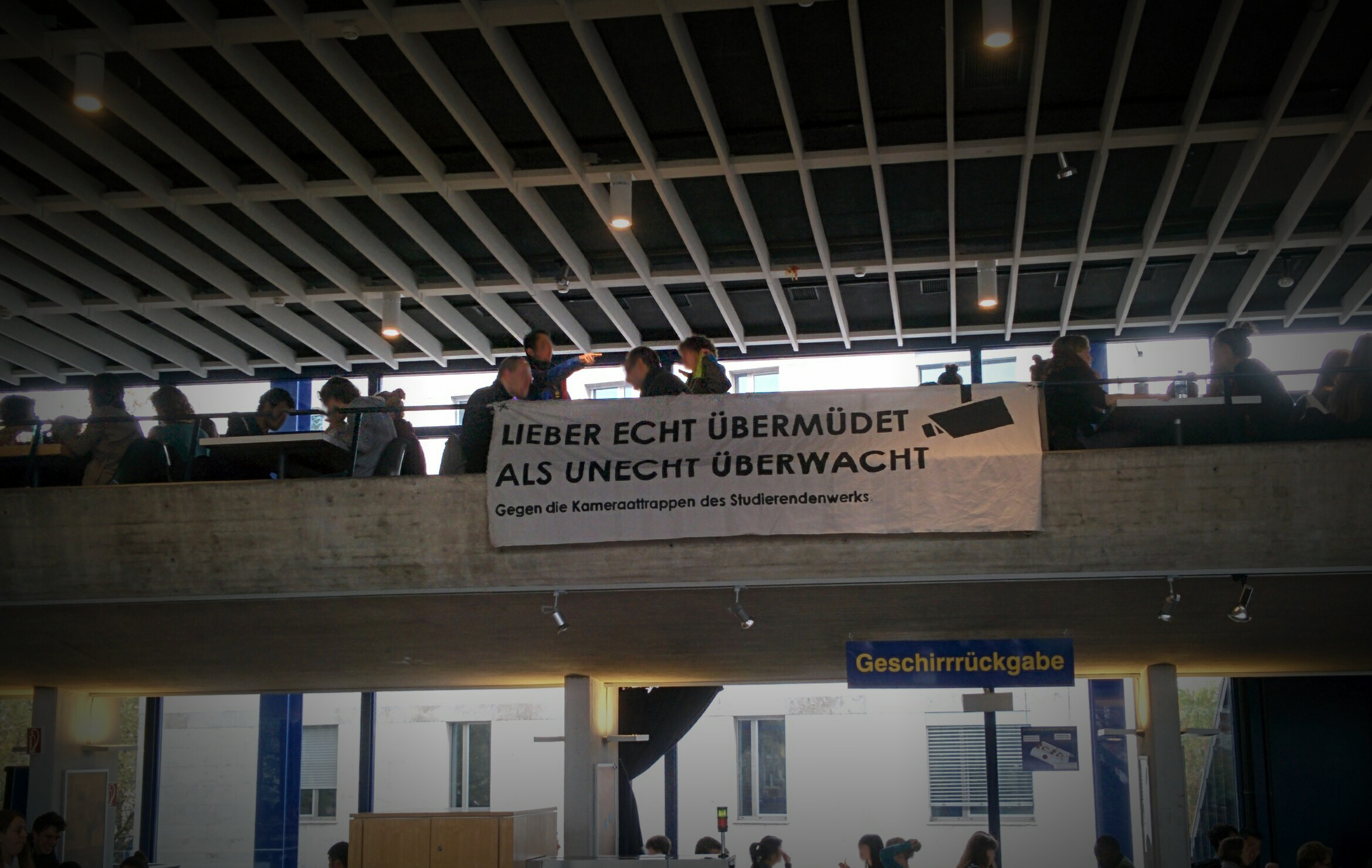 Banner in der Mensa Rempartstraße